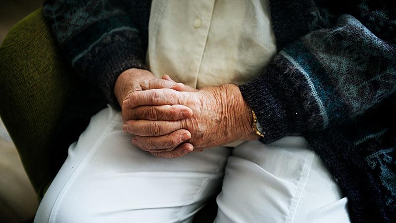 assistenza-anziani-domicilio-home